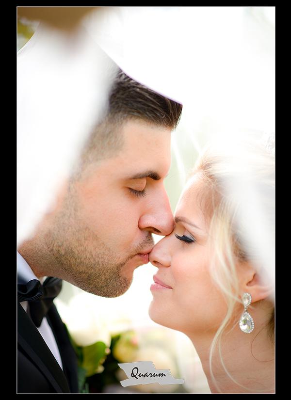 Quarum Bride Groom under Veil Top Wedding Studio Canada