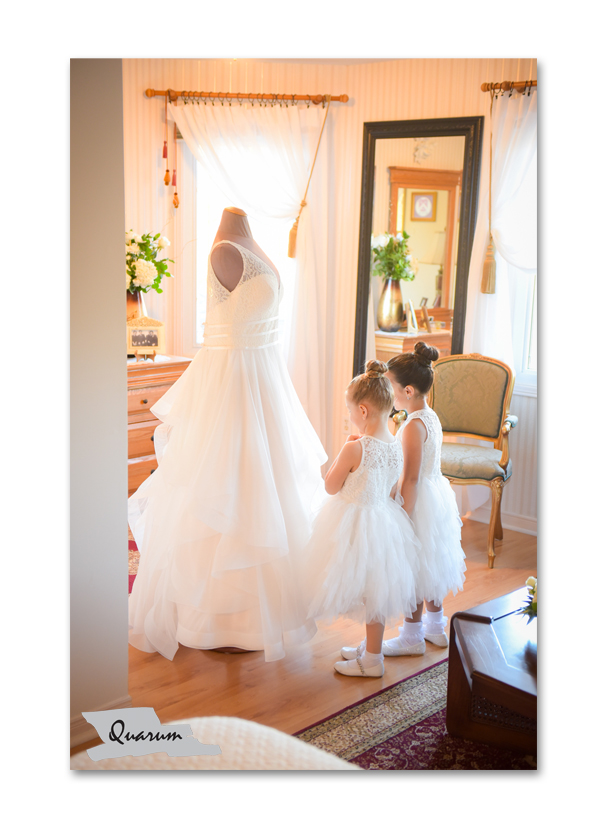 flower girl ideas,weddingdress ideas, luxury weddings toronto, quarum photo video, mark piotrowski, award winning weddings, vaughan weddings